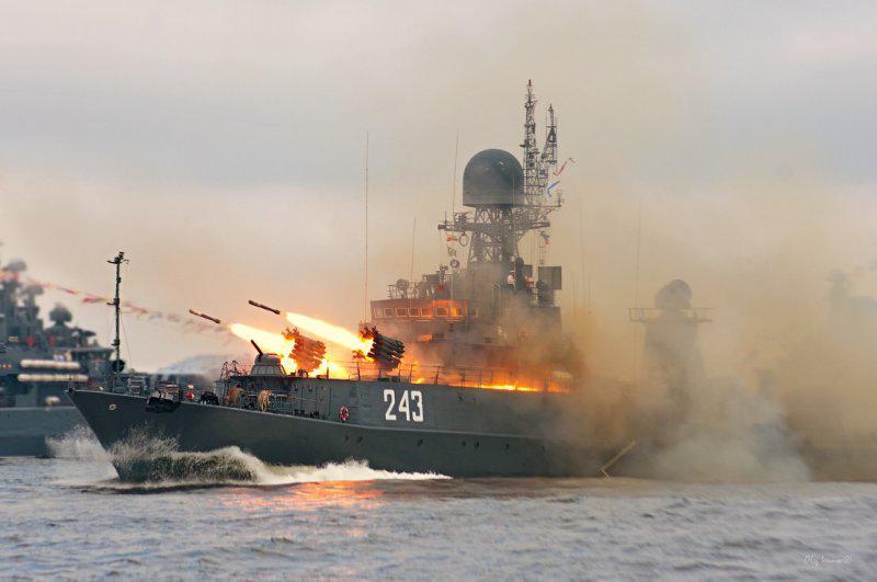 Российские корабли нанесли удары по оплоту «Исламского государства»