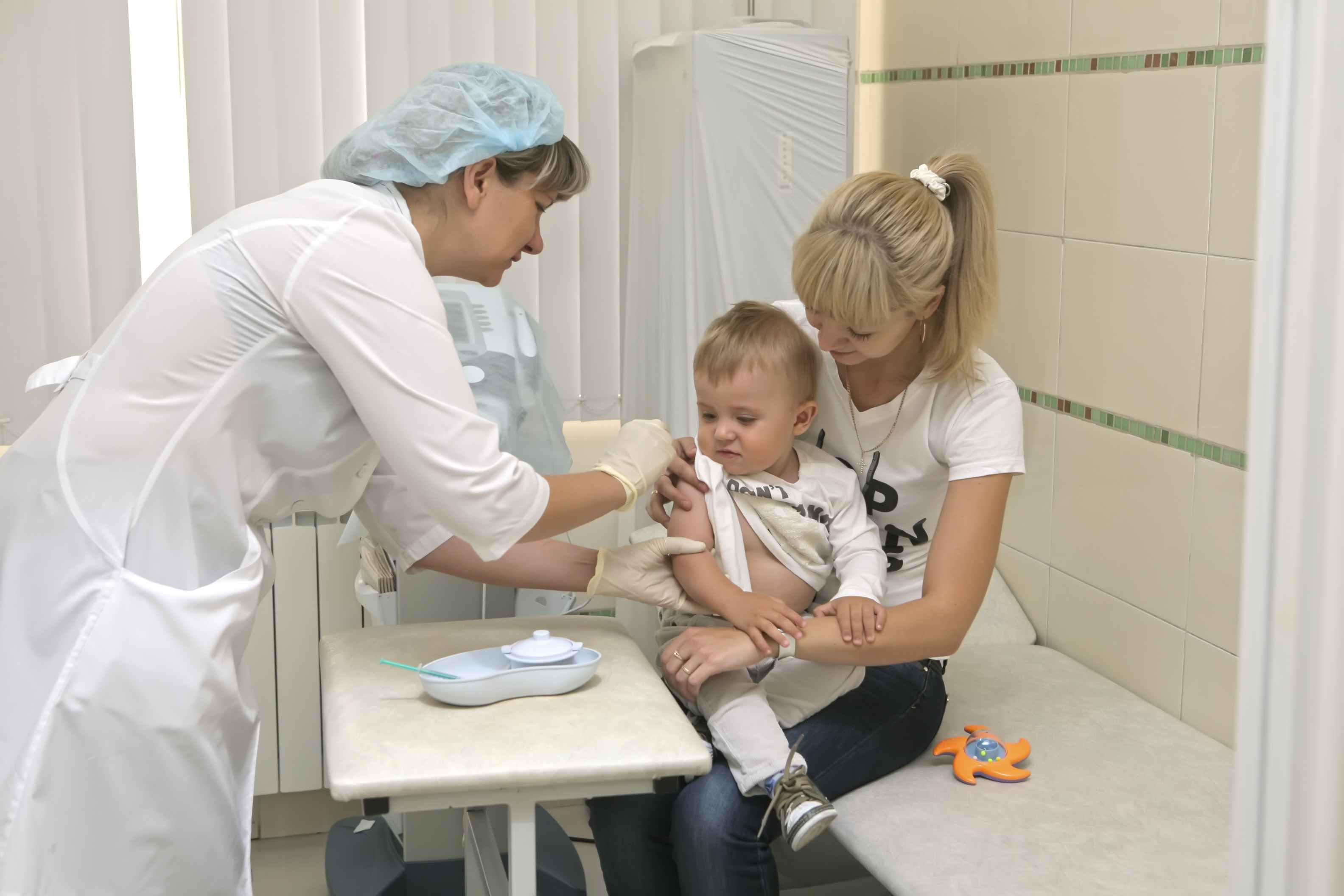 Минздрав призывает продолжать вакцинацию против полиовируса