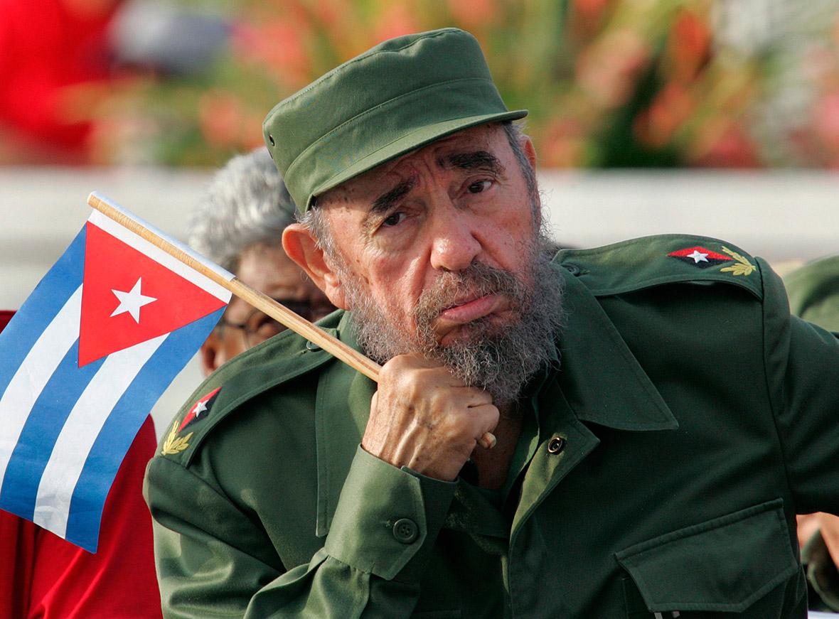 Фидель Кастро пришел напразднование своего 90-го дня рождения