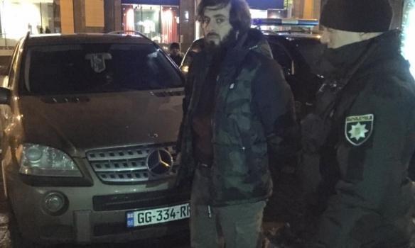 Вцентре Киева полиция повязала «чеченских разведчиков» наэлитном джипе