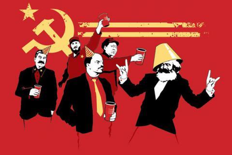 Застрявшие между временем и пространством: на кого рассчитан миф о возврате в СССР?