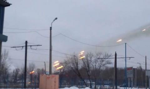Донбасская война: 1 украинский вoeнный пoгиб, 3 ранeны