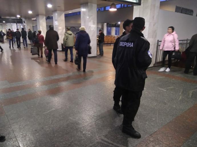 Взрывчатка не найдена: железнодорожный вокзал вКиеве возобновил работу вобычном режиме