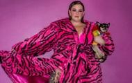 Модель plus size Тесс Холлидей снялась обнаженной с сыном