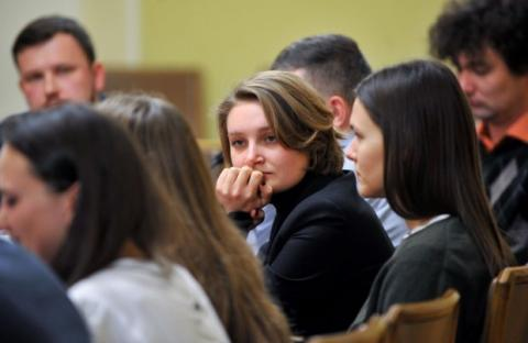 """Зеленский встретился со студентами, которых на Майдане избил """"Беркут"""": фото"""