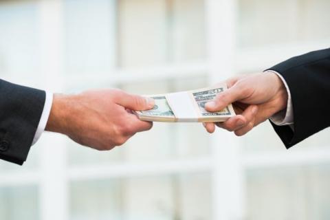 Вопрос денег: почему Верховный Суд оспаривает карантинные ограничения