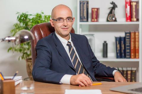 Доверие общества к судебной власти утрачивается быстро, а приобретается тяжело, — судья КГС Василий Крат