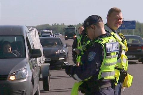 Эстонских водителей будут наказывать успокоительной остановкой