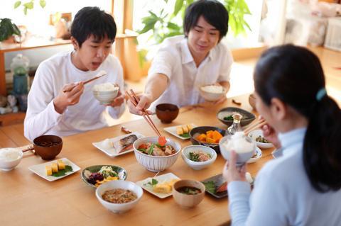 Китайцев хотят приучить меньше есть