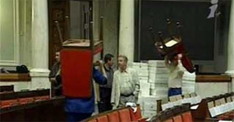В ВР одобрили идею уменьшения количества нардепов до 300