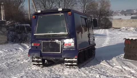 Украинец построил впечатляющий гусеничный вездеход (видео)